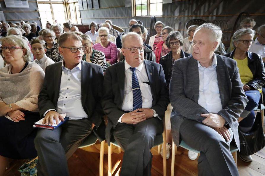 Juha Sipilä, Tapani Tölli ja Seppo Kääriäinen pohtivat kukin maailman muuttuneen viime vuosina nopeasti. He ajattelevat mielikuvien merkityksen kasvaneen ja populismin nousseen huolestuttavan paljon.