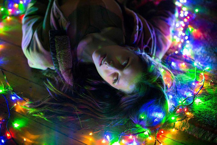 Psykologisessa trillerissä australialaisnainen (Teresa Palmer) joutuu panttivangiksi Berliinissä.