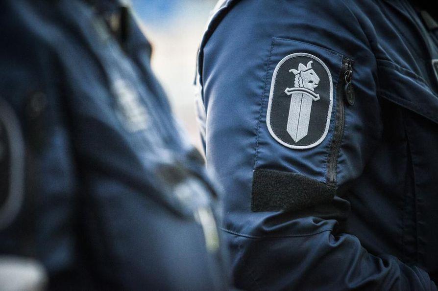 Poliisien poliittisista sidonnaisuuksista on käyty viime päivinä keskustelua.