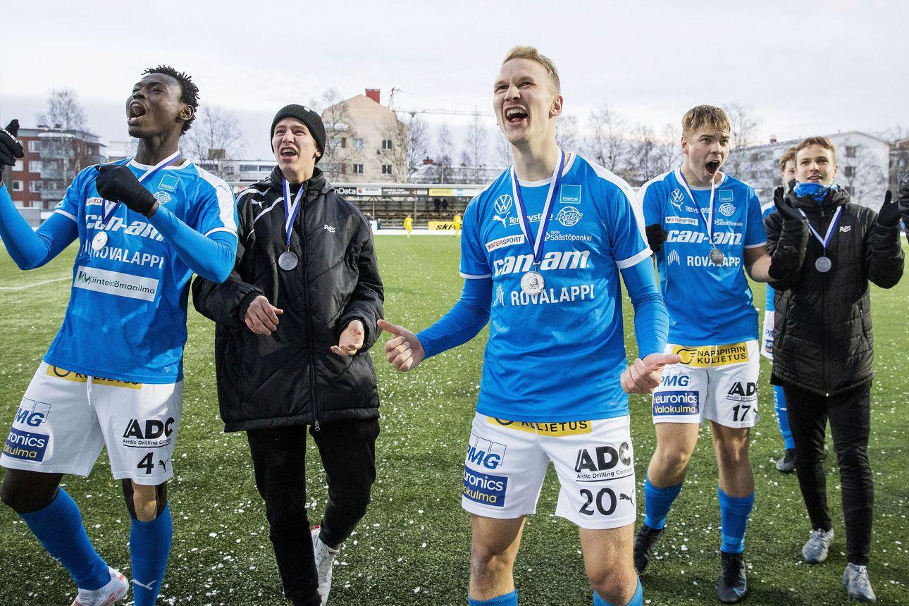 """RoPS ja AC Oulu vastakkain liigakarsinnassa – """"Millaisilla kentillä mahdetaan pelata niin täällä kuin Oulussa"""", valmentaja Mikko Mannila mietti"""