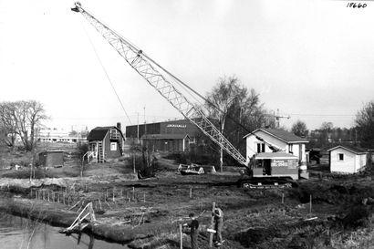Kalevan vanhat kuvat: Oulun Castrenin puutarha-alue katosi - Äimärautiolla ja Linnanmaalla rakennettiin uutta