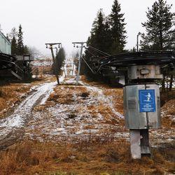 Sumuinen Syöte odottaa lunta ja matkailijoita kotimaasta – tällaiset tunnelmat ovat kauden alla