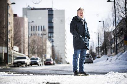 Wembleyn viheriöltä Sangisin ulkovessaan - Jukka Ikäläinen on ollut   jalkapallossa monessa mukana