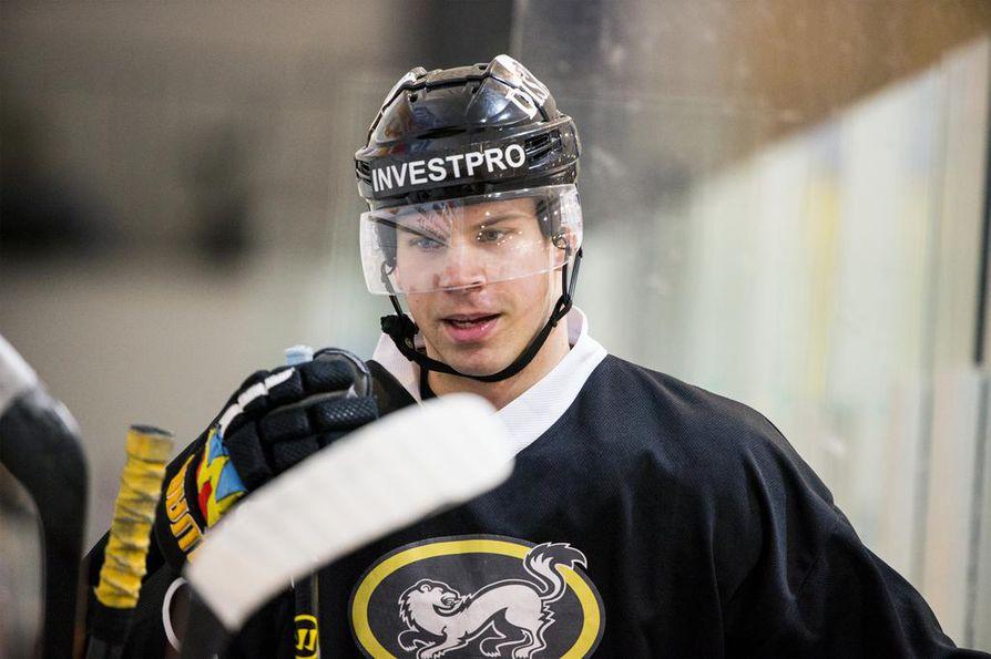 Donskoi, 27, on pelannut NHL:ssä neljä kautta ja edustanut jokaisella kaudella San Josea.