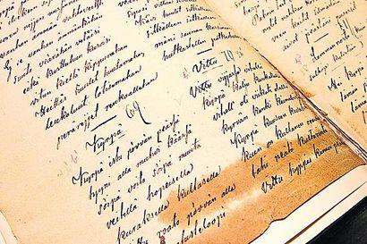 Suven runoilijan Tua Forsströmin Runokivi paljastettiin Kajaanissa