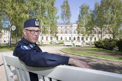 """Poliisipäällikkö Sauli Kuha ei usko, että Oulun uusi poliisitalo nousee Hiukkavaaraan –""""Alan tulla vanhaksi, kärttyiseksi, kriittiseksi ja omapäiseksi äijäksi"""""""