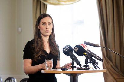 """Marin vastasi tiukasti perussuomalaisille syytöksistä perustuslain rikkomisesta: """"Näin vakavissa syytöksissä villoja vihjausten sijaan"""""""