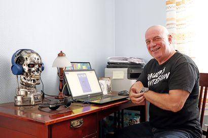 Konstruktioteknikosta baarinpitäjäksi ja edelleen kirjailijaksi – 20 vuotta kirjoittanut kempeleläinen Ari Paulow jäi jo eläkkeelle, mutta palasi näppäimistön äärelle