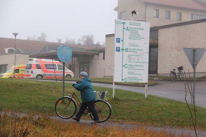 Tilaa 16 potilaalle: Hoitajapula johti Oulaisten terveyskeskuksen akuuttiosaston paikkojen vähentämiseen