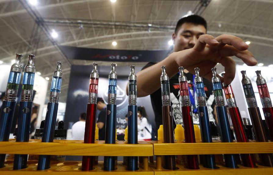 Kiinassa tehdään valtaosa sähkötupakoista. Vuonna 2015 Pekingissä järjestettiin alan messut.