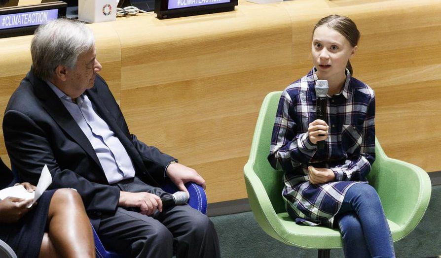 Ruotsalainen ilmastoaktivisti Greta Thunberg puhui, ja YK:n pääsihteeri António Guterres kuunteli lauantaina nuorten ilmastokokouksessa New Yorkissa.