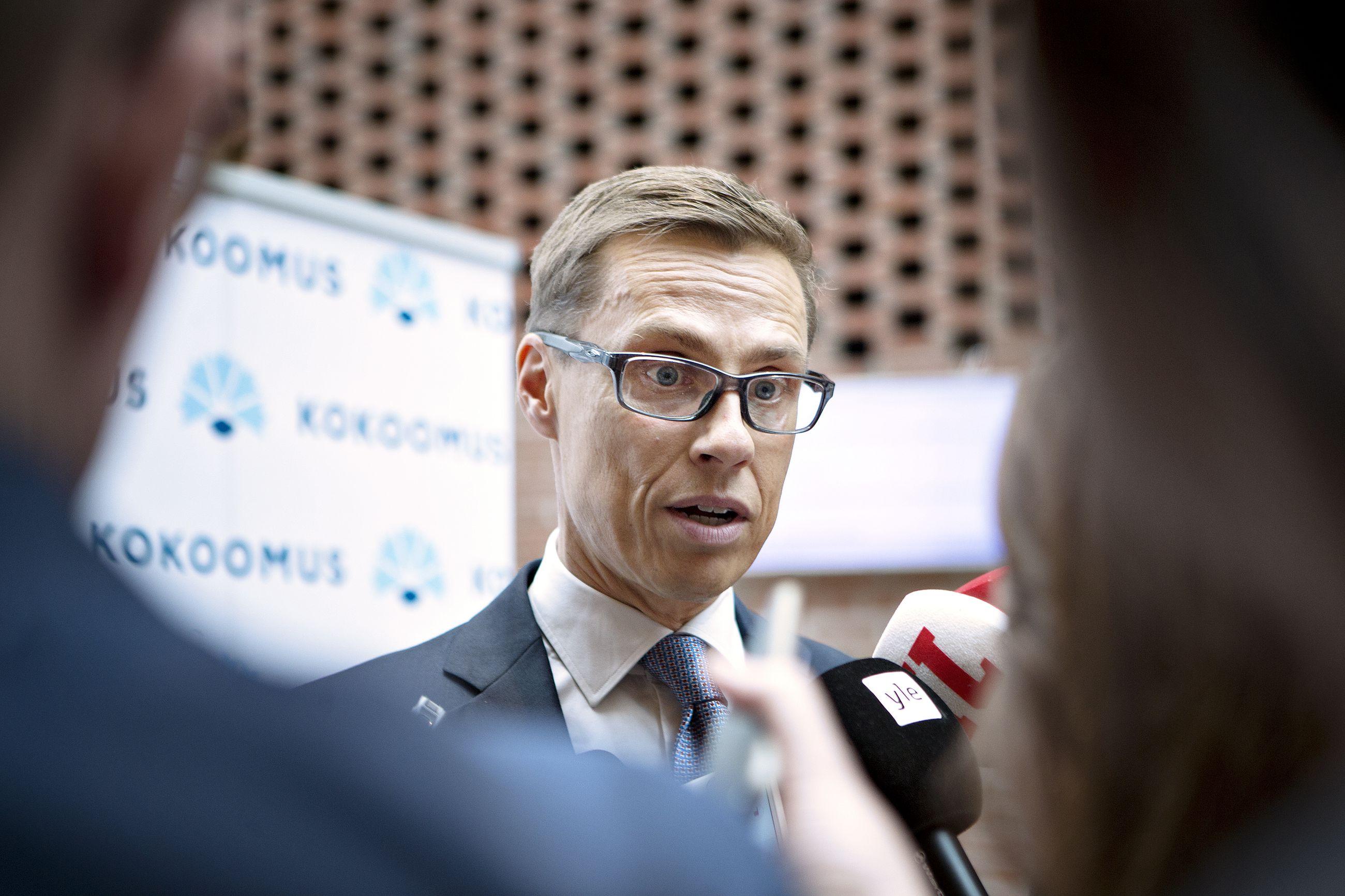 Alexander Stubb arvioi, että Ruotsi voi olla lähestymässä pistettä, jossa maa päättää hakea Nato-jäsenyyttä.