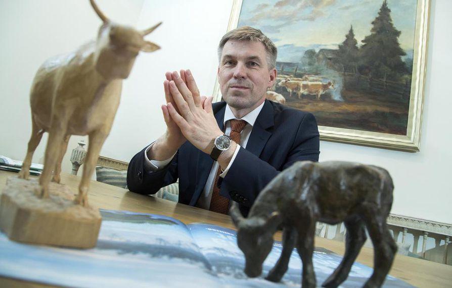 MTK:n puheenjohtajan Juha Marttilan mukaan omaa lainsäädäntöä tiukentamalla ei pidä antaa lisää kilpailuetua tuontiruualle.