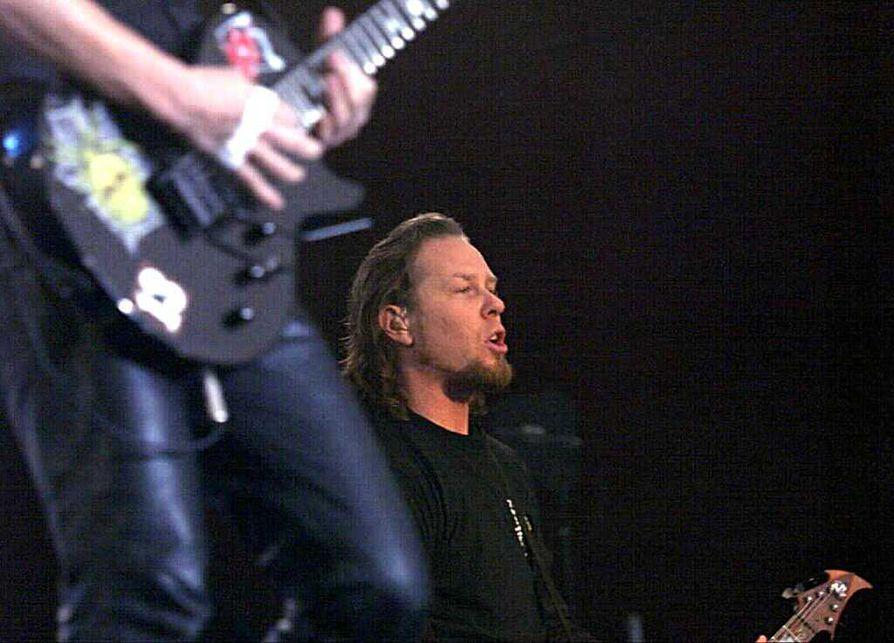 James Hetfieldiä kosiskellaan bändeineen keikalle Tunturi-Lappiin.