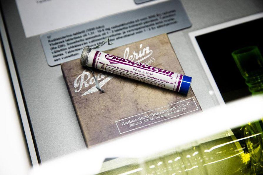 Radiumkloridia sisältävän tabletin uskottiin parantavan monista vaivoista.