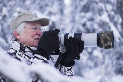 """""""Kun linnunlaulu lakkaa, tulee kauhean tyhjä olo"""", sanoo luontokuvaaja Esa Mälkönen"""