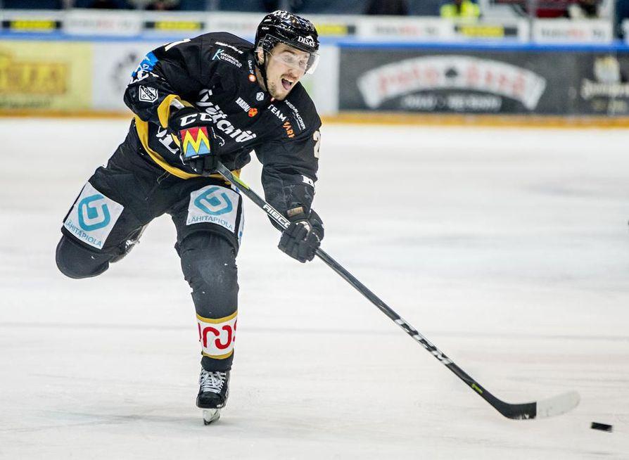 Otto Karvinen on loukkaantumisen vuoksi sivussa ottelusta.