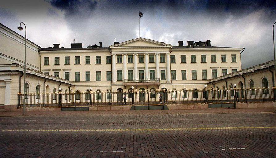 Presidentinlinna sijaitsee Helsingin Kauppatorin laidalla.