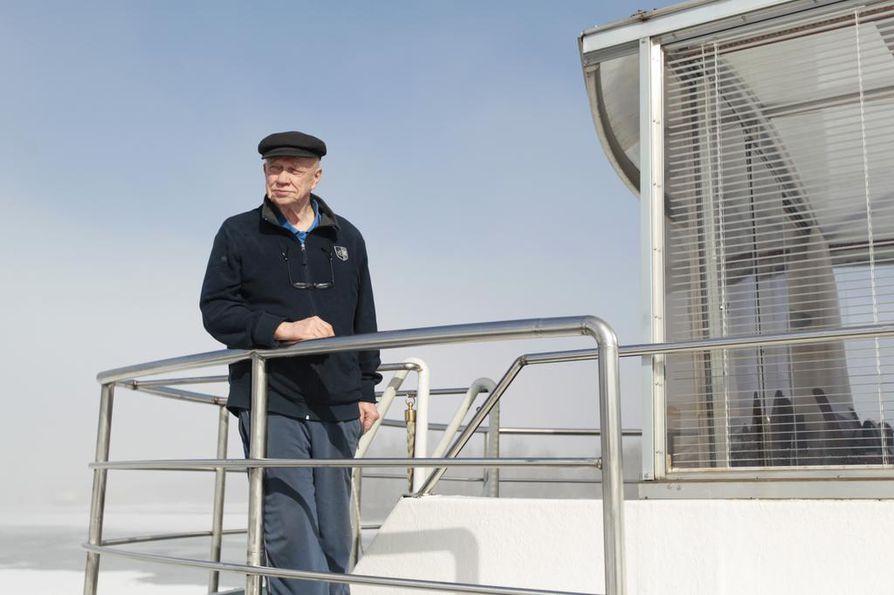 Paavo Koskela on huolissaan siitä, ettei tulevilla sukupolvilla ole mahdollisuutta nauttia Oulun merellisyydestä.