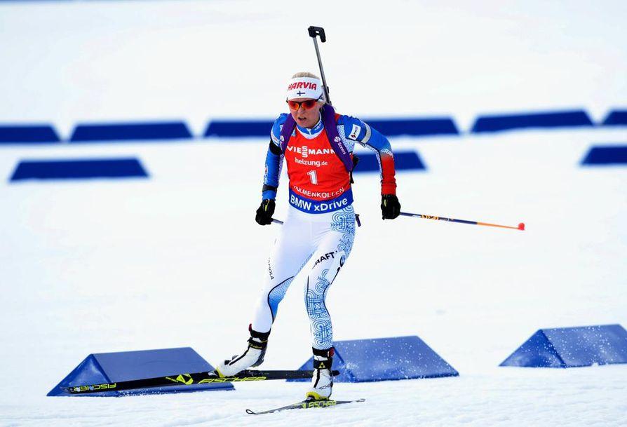 Mari Laukkanen esitti vahvaa hiihtoa ja tasaista ammuntaa Holmenkollenilla lauantaina.