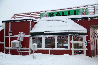 Kolme loukkaantui onnettomuudessa Kallin hiihtokeskuksessa Keminmaassa: Moottorikelkka törmäsi kahteen lumilautailijaan