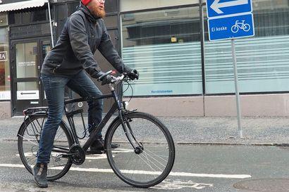 Nyt tarkkana liikenteessä: moni pyöräilysääntö on yhä uusi ja hämmentävä – Suojatielläkin saa ajaa pyörällä, kunhan ei vaaranna muita