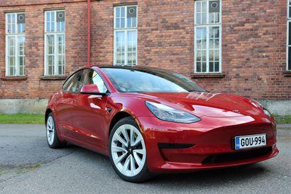 Niin puhdasta, että silmiin sattuu – Näillä eväillä Tesla Model 3 nousi Euroopan myydyimmäksi sähköautoksi