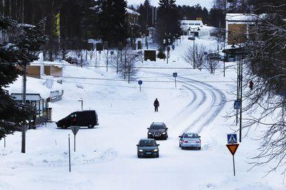 Talvikunnossapitoon ollaan tyytyväisiä Taivalkoskella - välikatselmuksen mukaan urakoitsijoiden vaihtuessa oli laatupoikkeavuuksia, tälle talvelle ongelmia ei ole ollut