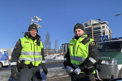 Hallitus tiukentaa rajaliikennettä Suomen, Ruotsin ja Norjan välillä – Rajoitukset koskevat myös laivojen henkilöliikennettä