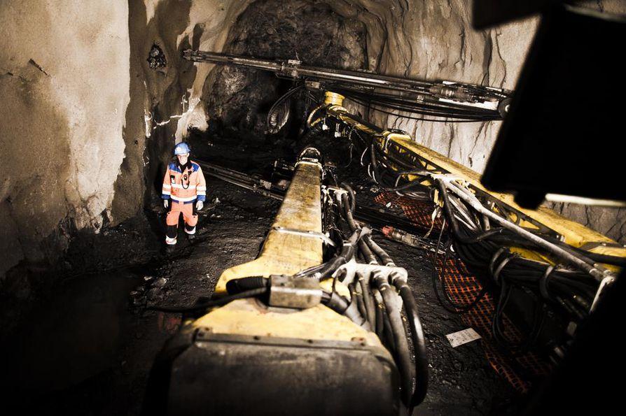 Henkilöauto syttyi palamaan maan alla Kittilän Suurkuusikon kultakaivoksessa tiistaina päivällä. Arkistokuva kaivokselta ei liity tulipaloon.