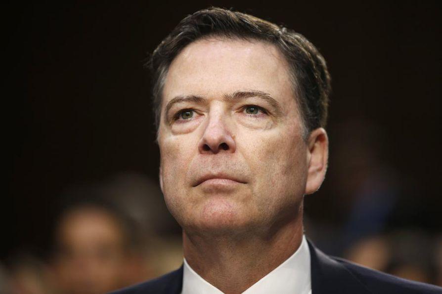 FBI:n entinen johtajan James Comey.