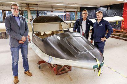 Mika Salo sai 50-vuotislahjaksi lentäjäkurssin ja odottaa nyt, että Rovaniemellä tehdään hänelle lentokone