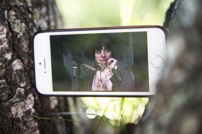 Sodankylän elokuvajuhlien verkkoversio tarjoaa valotuksia 35-vuotisen tapahtuman uniikkeihin aamukeskusteluihin – ja tekee virtuaalisilla valkokankaillaan suomalaista leffafestarihistoriaa