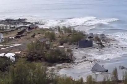 Video: Valtava maanvyöry vei kahdeksan taloa mereen Pohjois-Norjassa