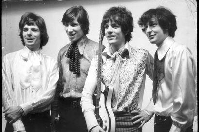 Mitä se Juha Hurme nyt on mennyt tekemään – kirjoitti näytelmän Pink Floydin perustajasta Syd Barrettista