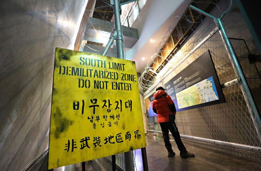 Muutama kilometri rajalta etelään sijaitsee museo, jossa voi tutustua demilitarisoidun alueen historiaan.