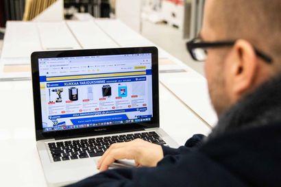 """Lakkapään tuhannet tuotteet vain klikin päässä – """"Tarvittaessa apu on lähellä, sillä verkkokauppammekin on paikallinen"""""""