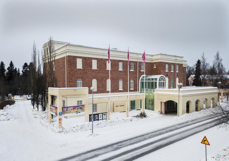 Oulun taidemuseo kuuluu Oulun museo- ja tiedekeskus Luuppiin. Kävijöitä taidemuseossa oli viime vuonna 35 490. Koko Luupissa kävijöitä oli lähes 150 000.