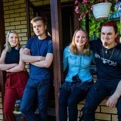 """Lampelan kommuunissa Rovaniemellä asuu yhdeksän nuorta aikuista: """"Ei ole terveellistä, että ihmiset asuvat yksin yksiöissä"""""""