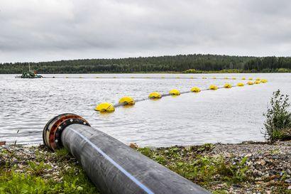 Sellutehtaan alueelta pohjavedet ojaan – jälkilammikon ruoppaustyöt saadaan tehtyä vielä ennen talvea