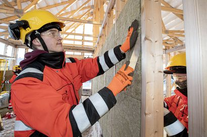 Raahen ammattiopistolla opiskellaan rakentamista taloa tekemällä