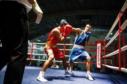Arslan Khataevin nyrkeissä tehoa Ruskakehässä – Marjut Lausti hyvästeli Ruskaturnauksen sarjavoitolla