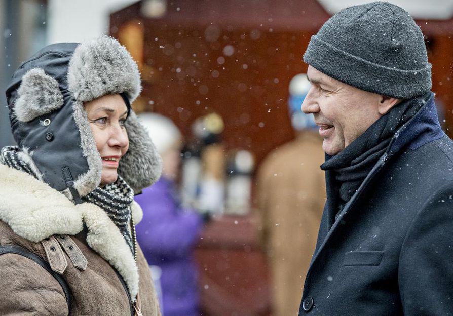 Tuire Kourula tapasi Pekka Haaviston Rotuaarilla ja halusi puhua presidenttiehdokkaan kanssa ympäristöasioista.