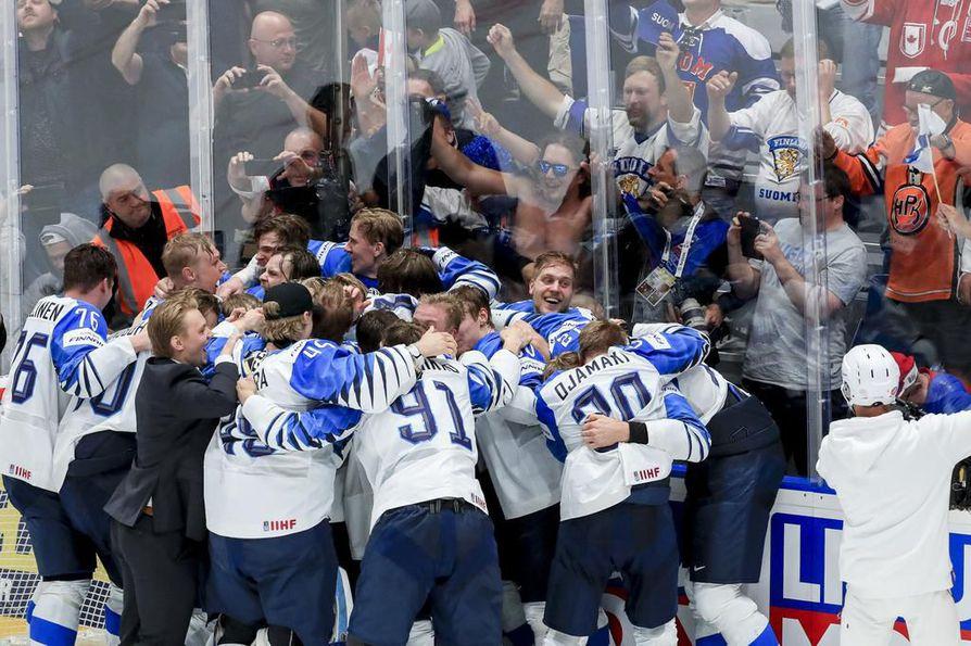Tänä keväänä MM-kisat päättyivät Suomen juhliin, kun Leijonat kaatoi Kanadan finaalissa 3-1.
