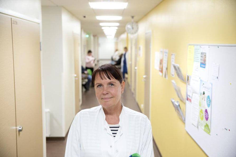 Limingan johtava lääkäri Pauliina Sarajärvi ei pidä viikon hoitotakuuta realistisena.