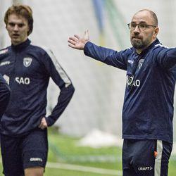 """Kolme maalia kolmessa minuutissa tyrmäsi AC Oulun – """"Kun maalivahti vaihdetaan, silloin todella halutaan herättää jengi"""""""