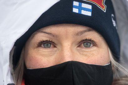 """Riitta-Liisa Roposen, 42, silmissä on palava halu haastaa ja kehittää itseä – """"Kukaan läheiseni ei häpeä sitä, että olen täällä"""""""