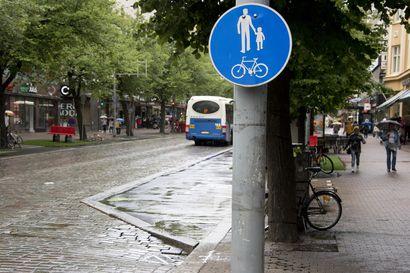 Pyörätiemerkeistä satojen tuhansien lasku kunnille - Ei tuo lisäarvoa turvallisuuteen, sanoo Kuntaliiton liikenneasiantuntija.