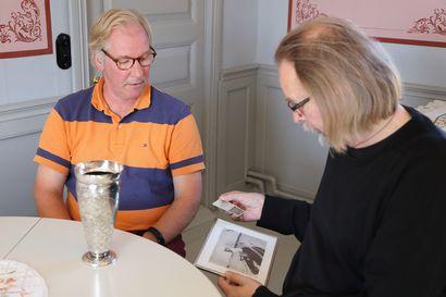 Sowion palkintosarwi palasi Raaheen