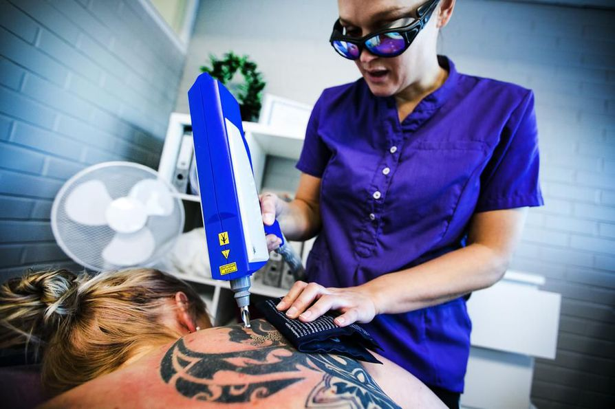teini tatuointi suku puoli